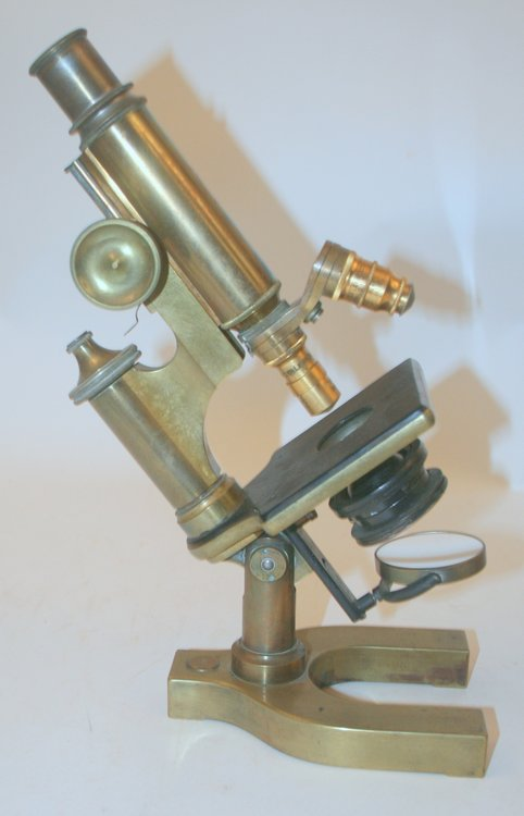 [ artifact, microscope ] Brass microscope, unsigned but Bausch and Lomb body Serial number 43899. Bausch and Lomb.