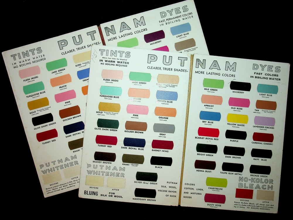 [ Sample books ] Color chart : Putnam fadeless dyes, tints : the original one-package dye [ 2 examples ]. Monroe Chemical Company.