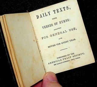 Daily texts, with verses of hymns : adapted for general use, and suited for every year.